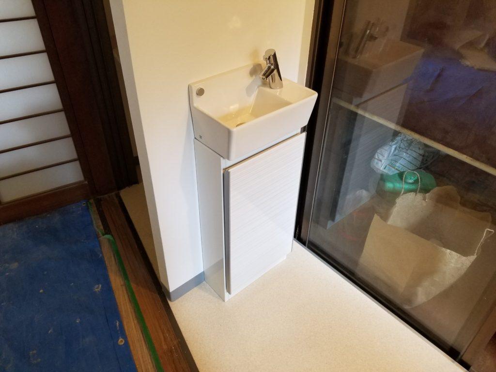 トイレリフォームの施工後の手洗い器