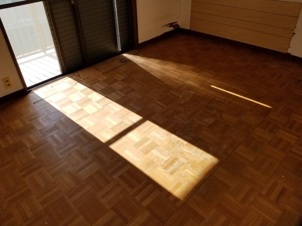 洋室の床の施工前