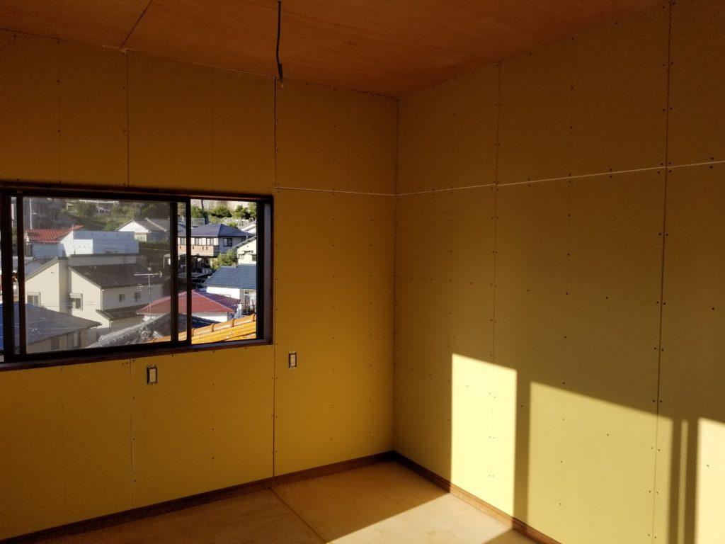 洋室の壁の施工中
