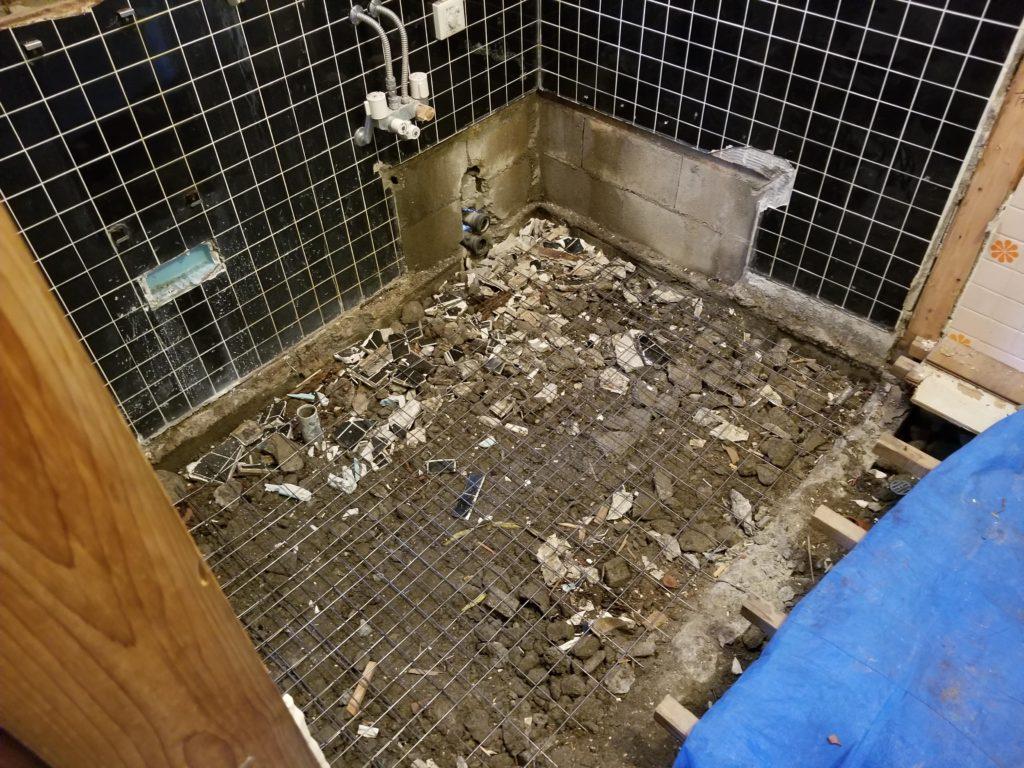 浴室リフォームの解体後