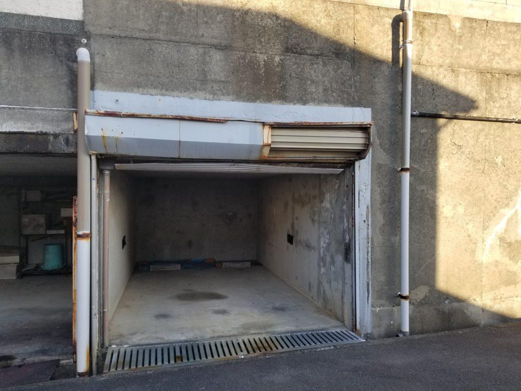 駐車場シャッターのリフォーム施工前
